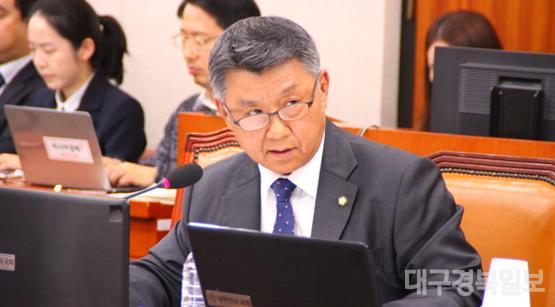 장석춘 국회의원 구미 질의.jpg